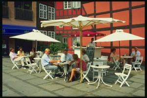Потеплело – пора открыть летнее кафе
