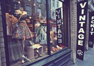 винтажная одежда в магазине